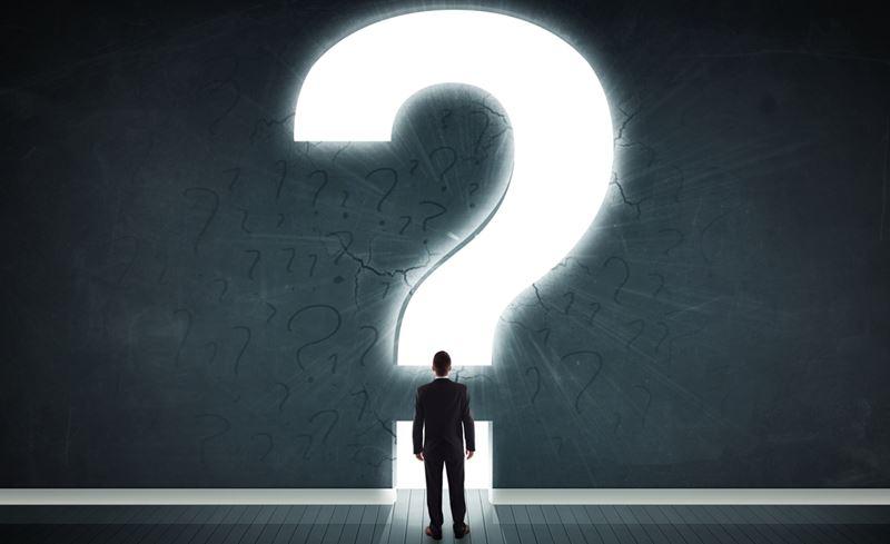 homem-em-frente-a-uma-interrogacao-duvida | Dicas de Consórcio